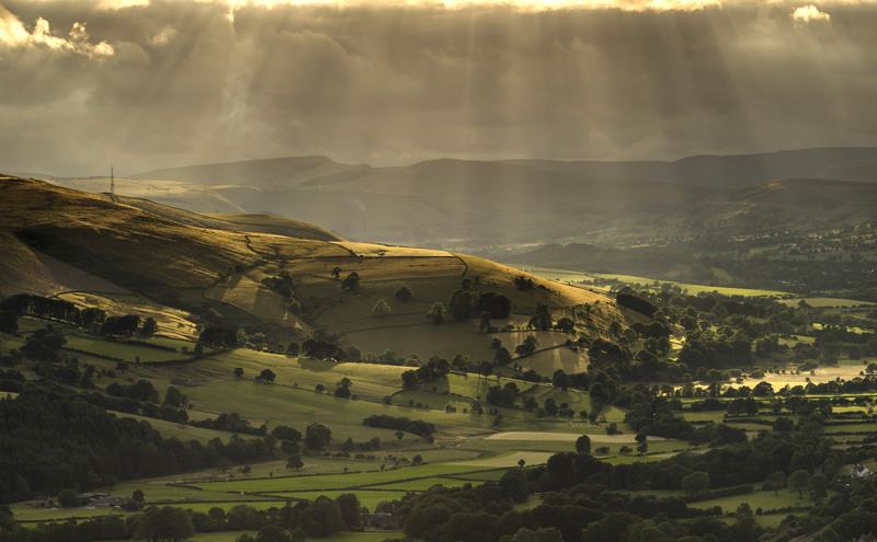 Sunrays light up the glorious Hope valley landscape
